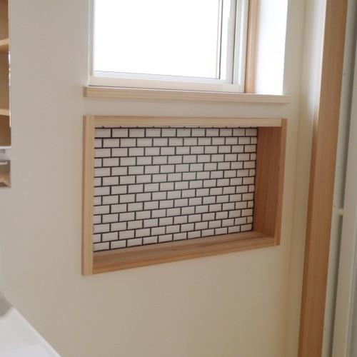 ⑧タイル貼り壁棚