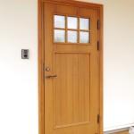 ①木製断熱ドア